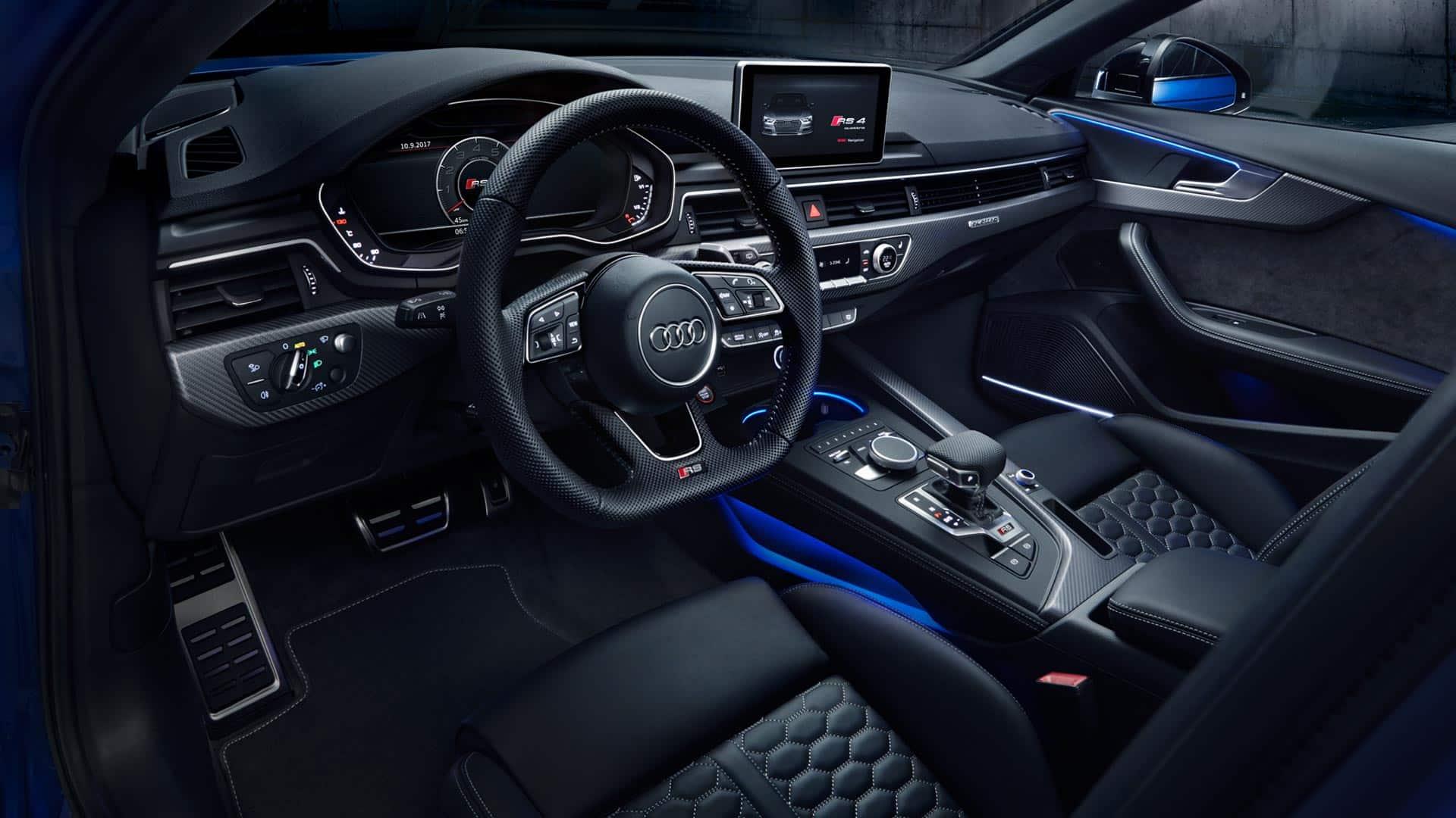 Sportowe ipraktyczne wnętrze Audi RS4Avant